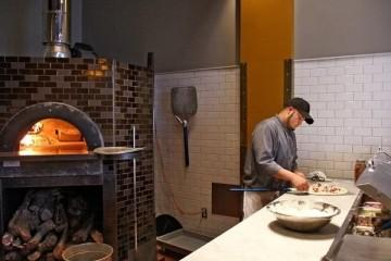 最喜欢的8家餐厅遭受疫情危机扎克伯格配偶每家给10万美元